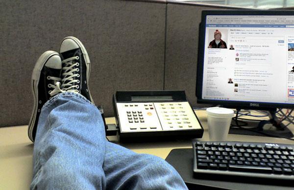 5 sai lầm mạng xã hội cần tránh nơi công sở